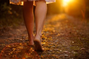 walking-barefoot1-300x199