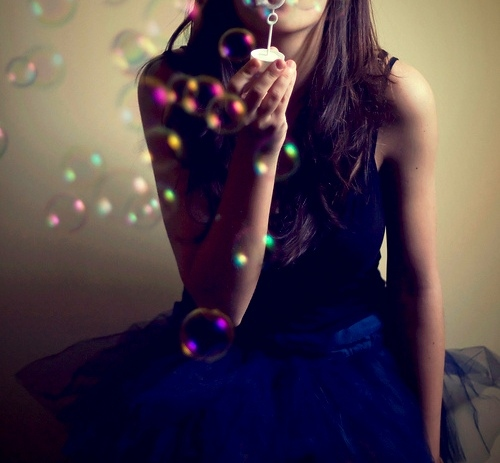 baloons-blue-bubbles-dress-girl-Favim.com-138534