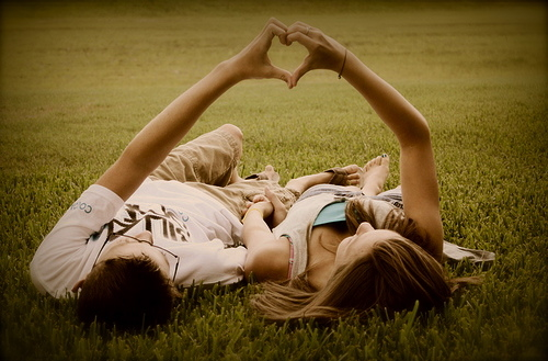boy-couple-girl-grass-happy-Favim.com-134049
