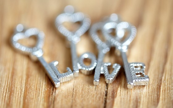 keys-hearts-letters-love-mood-hd-wallpaper