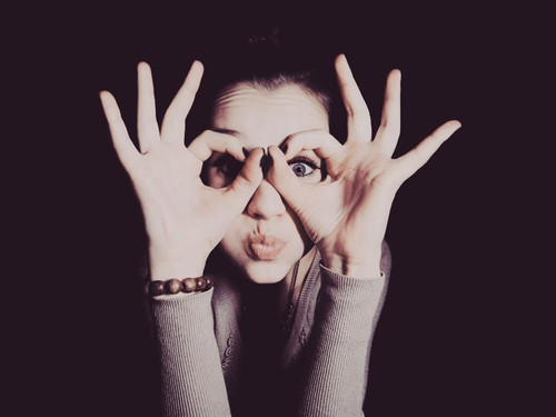eyes-girl-hands-inspiration-photography-Favim.com-453836