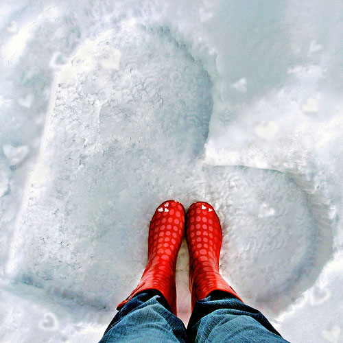 heart-shaped-snow